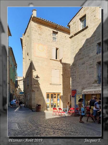 Pézenas Rue Emile Zola.jpg