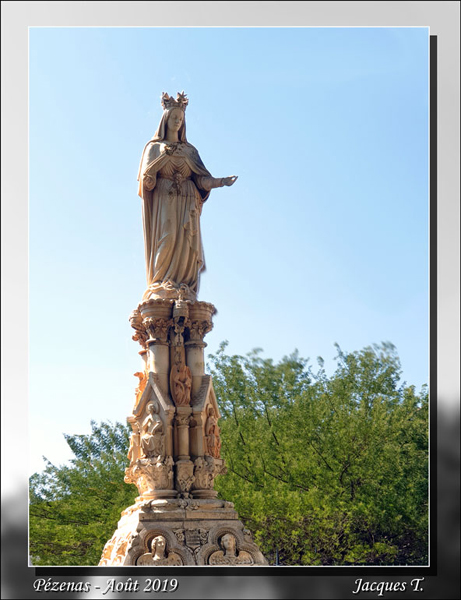 Pézenas Statue de la Vierge.jpg